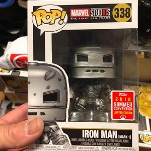 Iron man first suit sdcc exclusive funko marvel